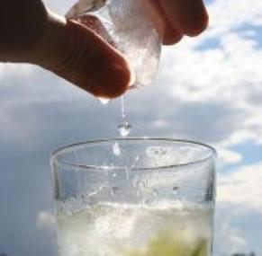 氷とグラス
